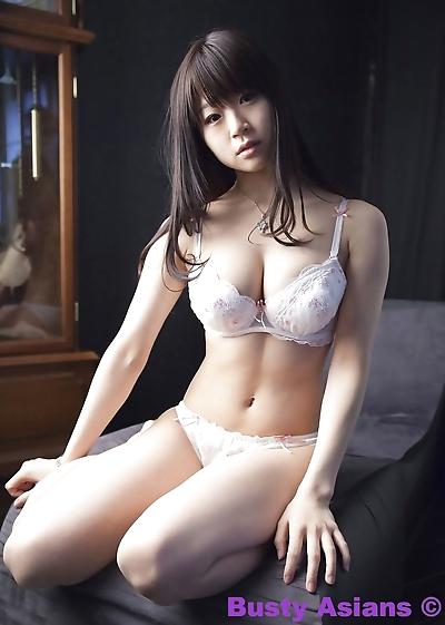 Big tits japanese model..