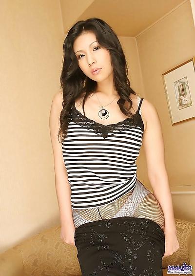 Japanese teen Chinami..