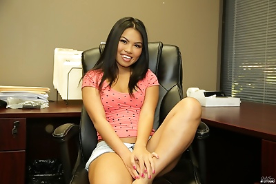 Asian teen Cindy Starfall..