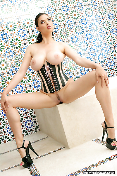 Hot Asian MILF pornstar Tera..