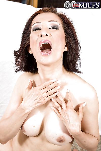 亚洲 大 Kim Anh giving..