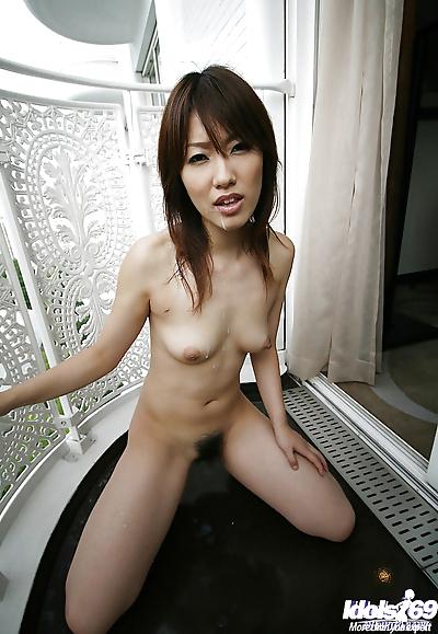Cute Asian coed Yuzuka..