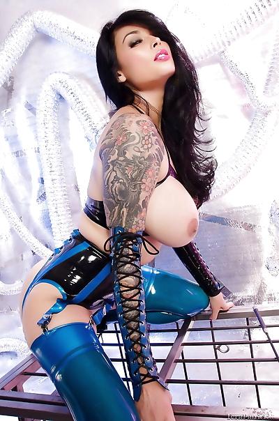 Tattooed famous pornstar..