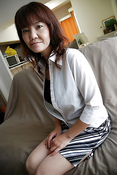 Asian gal Kimie Kuwata..