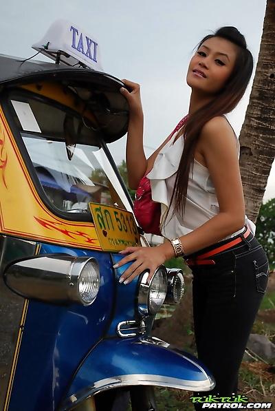 Sweet Thai girl unbuttons..