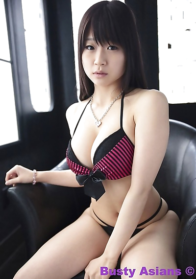 ใหญ่ หัวนม ภาษาญี่ปุ่น นางแบบ Miduki Momoko ใส่ sensual ชุดขั้นในเกลือนกลาด ส่วนหนึ่ง 4426