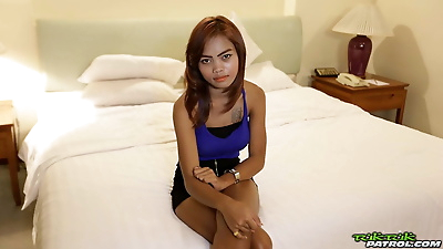 Petite Thai girl gets banged by a sex tourist bareback style